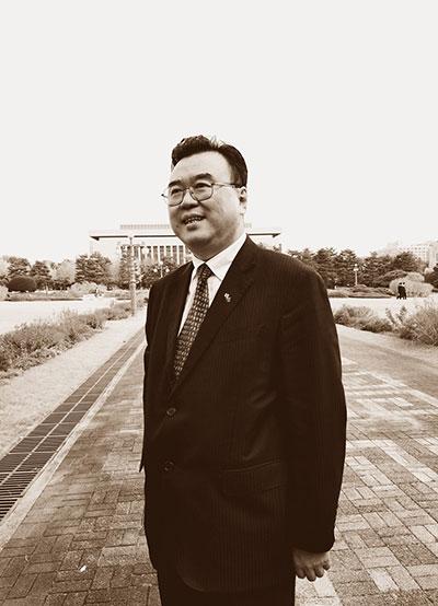 名 家 · 张 华 庆
